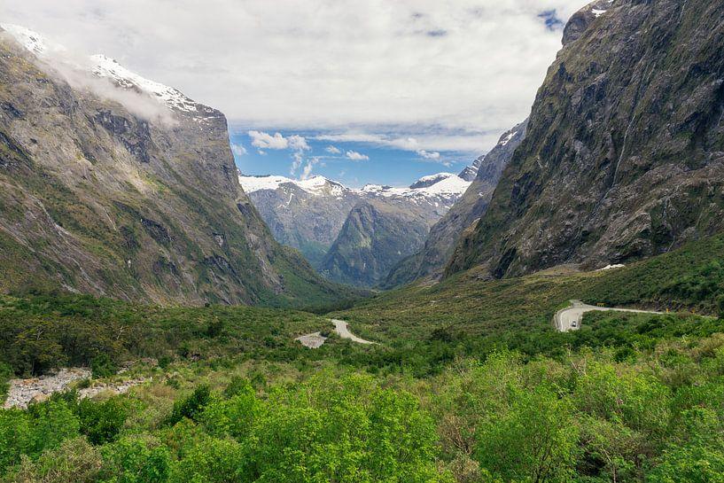 Uitzichten langs de Milfordroad in Nieuw-Zeeland van Linda Schouw