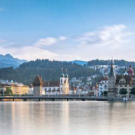Skyline of Luzern van Ilya Korzelius