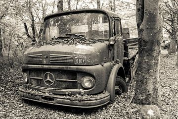 Oude BMW in zwart wit von Mirjam Offeringa
