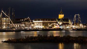 Nachtfoto van Kampen langs de Ijssel van JWB Fotografie