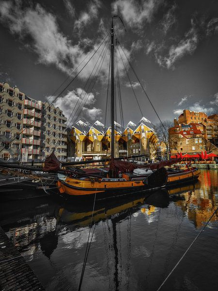 Zeilboot in de Oudehaven Rotterdam van Mart Houtman