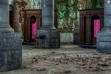 Decay Church von Roel Boom