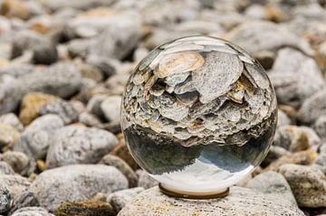 Kristallen Bol in Rivierbedding von Tony Buijse