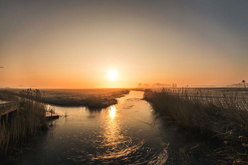 Zonsopkomst boven Friesland van Maria-Maaike Dijkstra