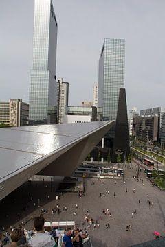 Stationsplein Rotterdam Centraal vanaf steigertrap van
