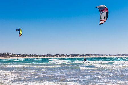 Kitesurfing in Mozambique von Bart van Eijden