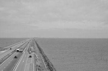 Der Afsluitdijk von Heleen de Silva
