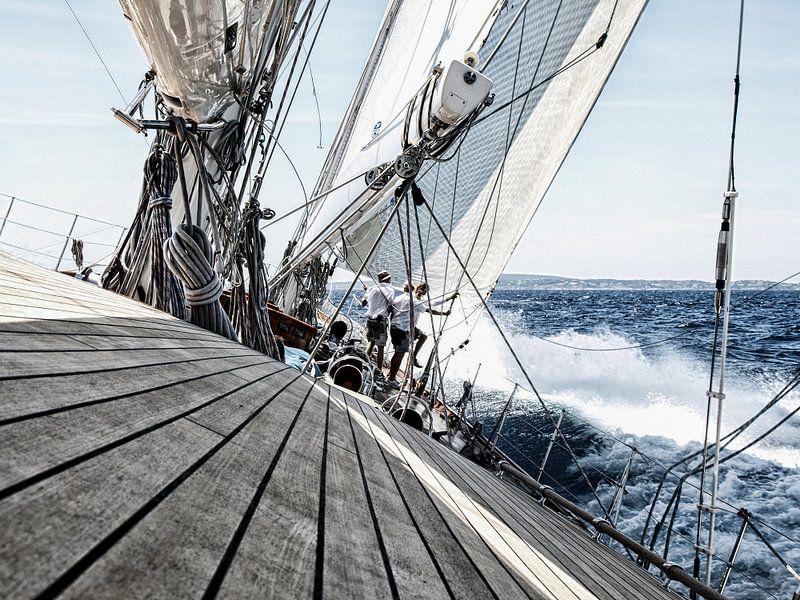 Zeilrace op de Middellandse Zee van Anouschka Hendriks