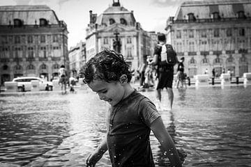 Le mirroir Bordeaux enfant sur Matthias Verfaille