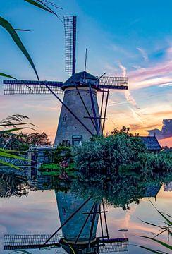 Mühlenkinderdeich bei Sonnenuntergang von Marjolein van Middelkoop