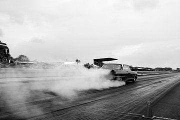 MuscleCar Burnout van Sim Van Gyseghem