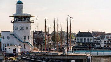 Toren maritieme verkeersleiding Harlingen van Roel Ovinge