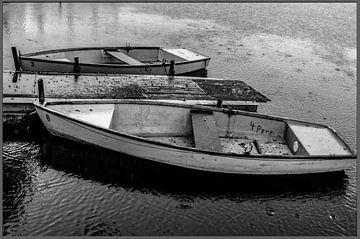 deux vieux bateaux à rames sur Norbert Sülzner