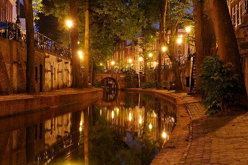 Nieuwegracht in Utrecht tussen Pausdambrug en Paulusbrug van