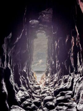 Dragon's Eye, The Cave of Gold at Bornisketaig van Hans den Boer