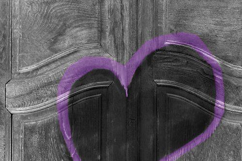 Abstracte deur met grunge hart
