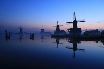 Mühlen im Nebel von FotoBob