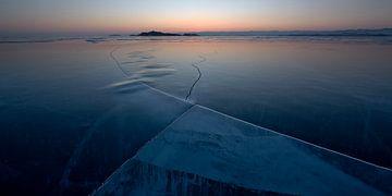 Sonnenaufgang am Baikalsee. von Jeroen Florijn