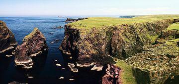 Picknick aan de oceaan, Eshaness, Shetland eilanden, Schotland van Sebastian Rollé - travel, nature & landscape photography