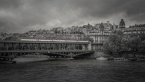 Pont de Bir-Hakeim in Parijs van