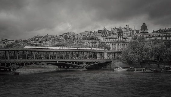Pont de Bir-Hakeim in Parijs