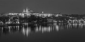 Praagse Burcht en Karelsbrug in de avond - Praag, Tsjechië - 12 van