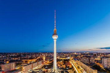 Tour de télévision de Berlin le soir sur Werner Dieterich
