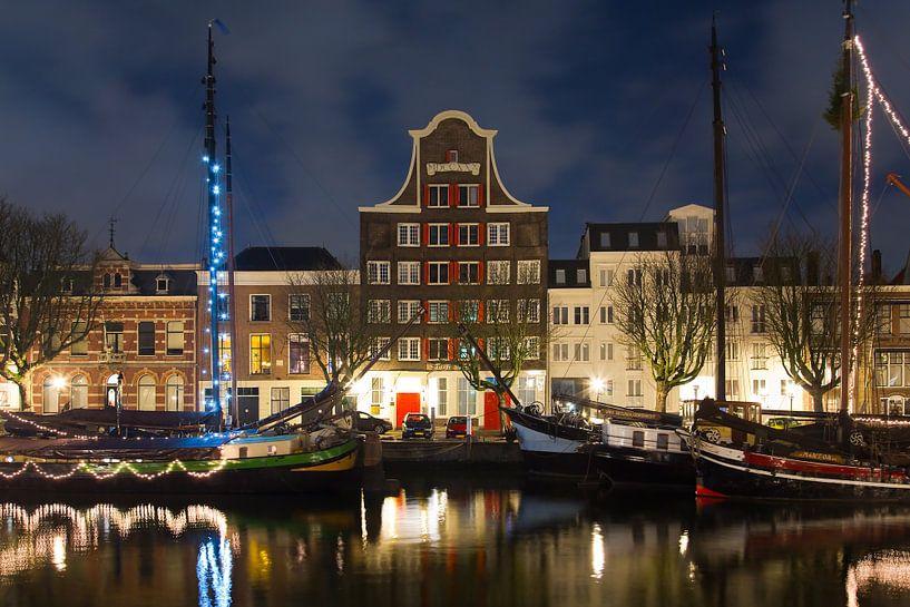 Pand Stockholm Dordrecht nachtfoto van Anton de Zeeuw