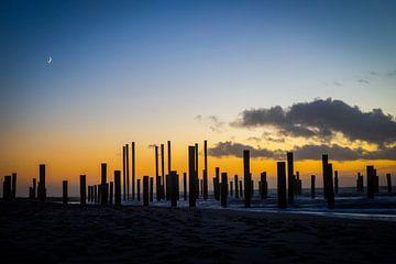 Zonsondergang aan zee (6) van Rob vlierd van de