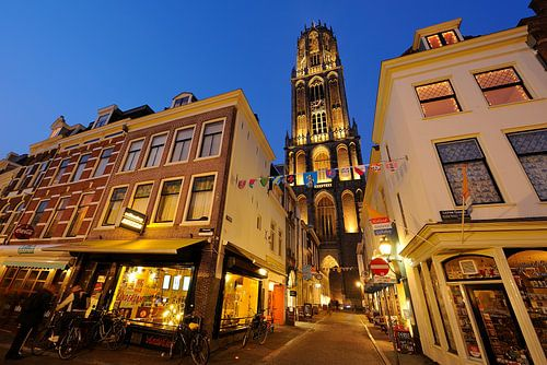 Vismarkt, Servetstraat mit Dom, Lichte Gaard in Utrecht von Donker Utrecht
