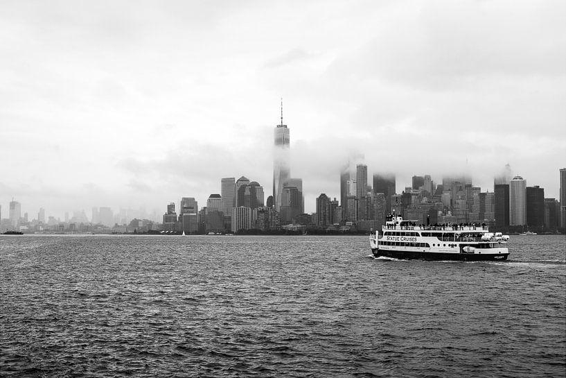 Skyline New York bij mist sur Iwan Bronkhorst