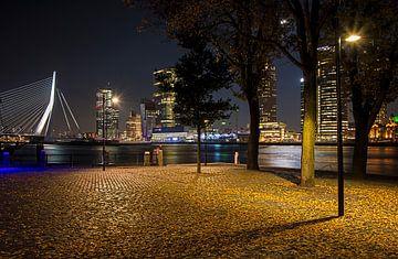 Rotterdam parkkade  bij nacht van