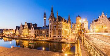 Altstadt von Gent in Belgien am Abend von Werner Dieterich