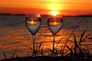 Zonsondergang  in het glas. De Fluessen Elahuizen. van