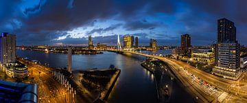 Het blauwe uurtje in Rotterdam van Jeroen Bukman