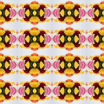 Fotografisch patroon met Gele, Oranje, Roze en Witte Rozen van Ton Kuijpers