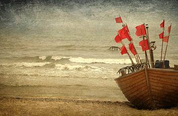 Das Fischerboot an Land van Heike Hultsch