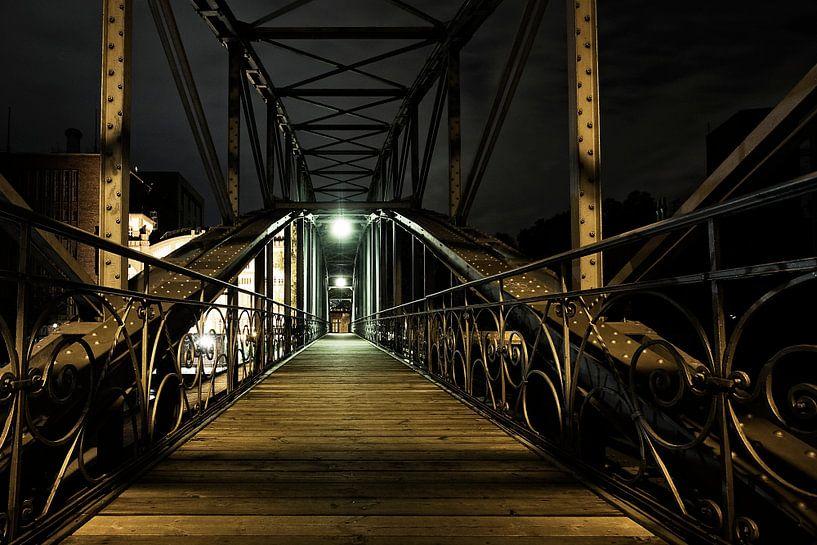Brug over rivier de Spree in Berlijn van Hans Vos Fotografie