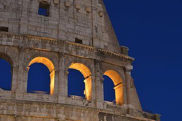 Rome, Colosseum, in het blauwe uurtje