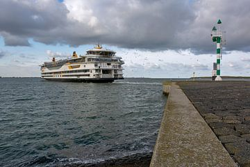 Veerboot Texel onderweg naar Den Helder van Ronald Timmer
