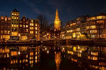 Stadtbild von Amsterdam mit der Zuiderkerk in den Niederlanden von Nisangha Masselink