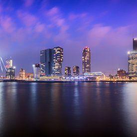 Stadsgezicht Pier en Erasmusbrug Rotterdam van Samantha Schoenmakers