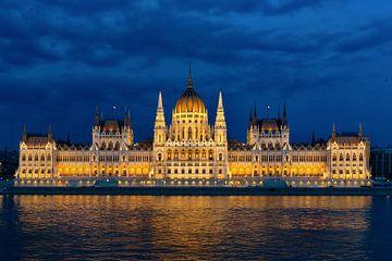 Parlement gebouw Boedapest van Peter Laarakker