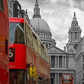 Busse nach St. Pauls Cathedral in London von Anton de Zeeuw