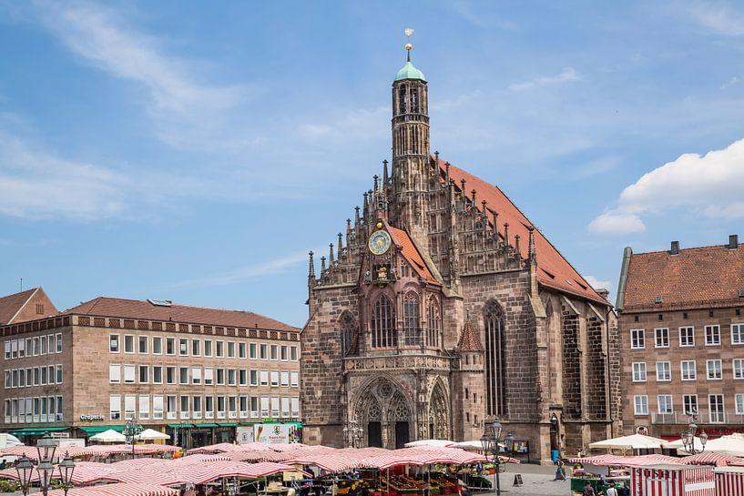 NUREMBERG Church of Our Lady & Main Market van Melanie Viola