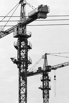 Lijnenspel kranen op bouwwerf van Tony Vingerhoets