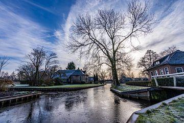 Winters landschap in het water dorp Giethoorn, Nederland van Dafne Vos