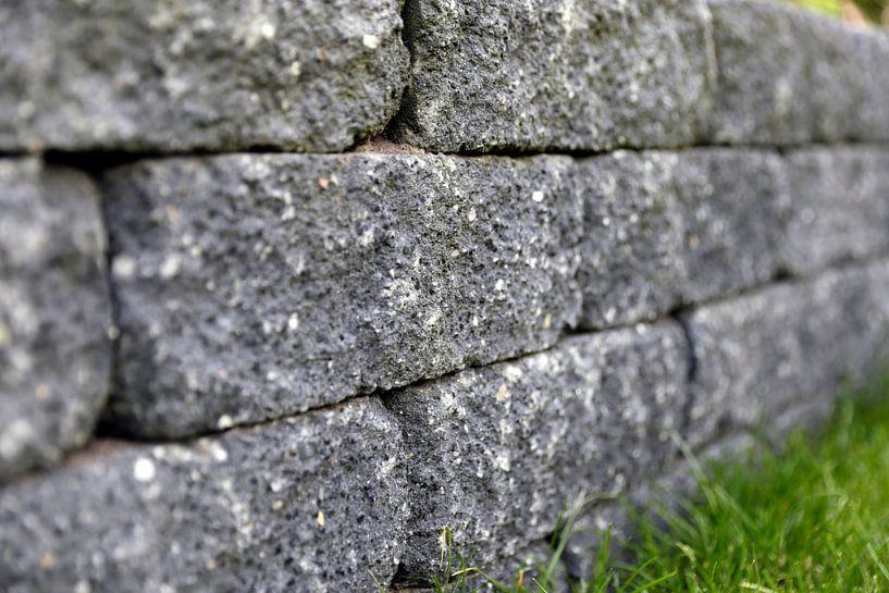 Stenen muurtje van Sander de Jong