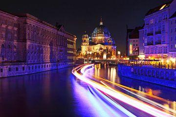 La cathédrale de Berlin avec Spree sur Frank Herrmann