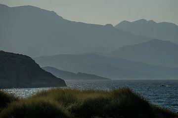 côte des chaînes de montagnes sur natascha verbij